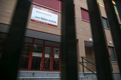 Instituto Juan Ramónn Jimenez de Villaverde, pendiente de que el Ayuntamiento le adjudique una parcela para ampliar el centro.