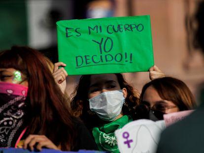 Concentración para celebrar la despenalización del aborto en México, el martes en Saltillo.