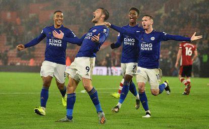 Vardy celebra uno de los goles del Leicester.