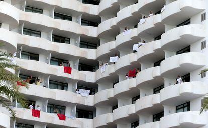 Algunos estudiantes contagiados han sido confinados en un hotel de Mallorca.