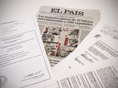 Documentos de los 'Papeles de Pandora' y portada de EL PAÍS del 4 de Octubre