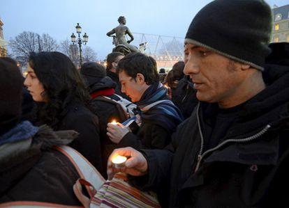 Marcha con motivo del primer aniversario del secuestro en Afganistán de dos periodistas franceses, Stephane Taponier y Herve Guesquiere, el 29 de diciembre de 2010 en París.