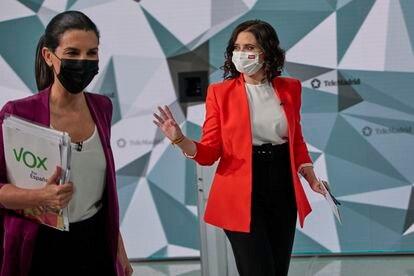 Rocío Monasterio (Vox) e Isabel Díaz Ayuso (PP) en el debate de Telemadrid.