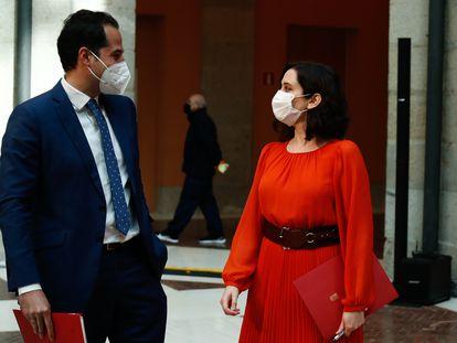 El vicepresidente de la Comunidad de Madrid, Ignacio Aguado, y la presidenta, Isabel Díaz Ayuso, el pasado 17 de febrero.