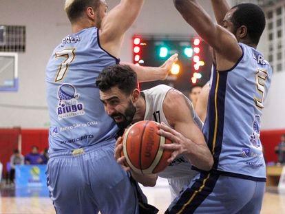 Sebastián Vega, baloncestista argentino de Gimnasia de Comodoro Rivadavia, en un partido de Liga Nacional disputado el 20 de febrero pasado contra Hispano Americano de Río Gallegos.