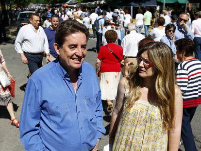 Luis García Montero y Raquel López, candidatos de IU en 2015, días antes de las elecciones.