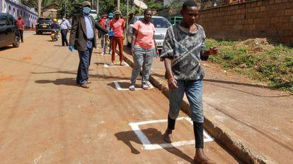 Marcas en el suelo cuadradas en Nairobi