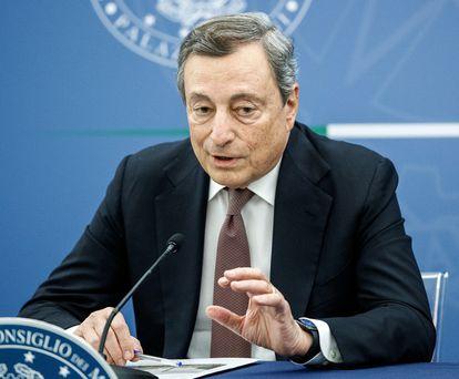 Il presidente del Consiglio Mario Draghi durante una conferenza stampa a Roma questo martedì.
