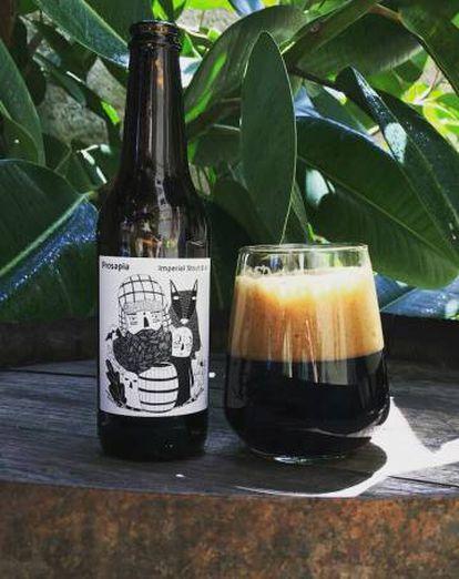 Cerveza artesanal Prosapia, una de las últimas variedades creadas por Nómada Brewing.