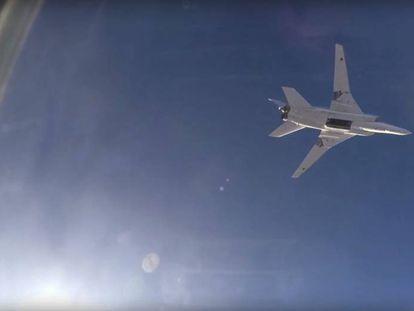 Un cazabombardero ruso en vuelo sobre Siria.