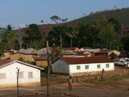 En Meliandou, un pequeño pueblo de 30 casas, vivía el niño de dos años con el que empezó la actual epidemia de ébola. EMBO