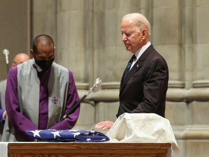 Joe Biden, el 23 de junio, en el funeral del exsenador John Warner, en la catedral de Washington.