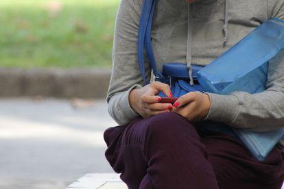 1.700 millones de mujeres en países de ingreso medio y bajo no tienen acceso a telefonía móvil.