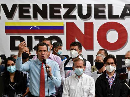 Juan Guaidó habla sobre las elecciones en Venezuela, en una rueda de prensa este lunes por la mañana.