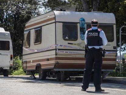 La caravana donde vive el presunto asesino de personas sin techo en Barcelona.