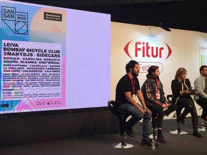 El Kanka, Rizha, la alcaldesa de Benicàssim Susana Marqués, y el responsable del SanSan Festival, Roberto Recuero, en la presentación del festival en Fitur Festivales.