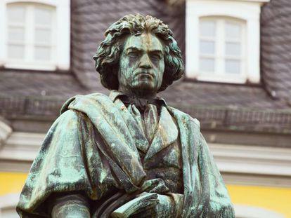 Estatua de Beethoven en Bonn, Alemania.