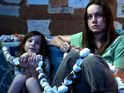 Jacob Tremblay y Brie Larson, en 'La habitación'.