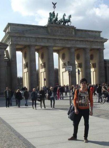 José de Lorenzo, con la Puerta de Brandeburgo (Alemania) detrás.
