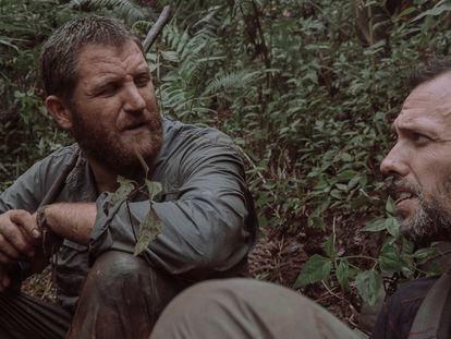 David Beriain (izquierda) y Roberto Fraile (derecha) durante la grabación de un documental en Laos en 2015.
