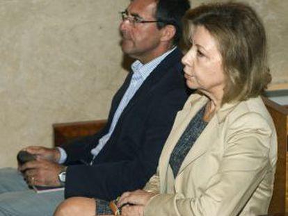 Munar y Miquel Nadal, este miércoles en el banquillo.