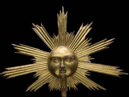 Una figura del Sol hecha en madera en torno a 1700, de autor desconocido.