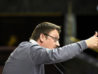 El diputado de En Comú Podem, Xavier Domènech, durante una intervención en el pleno.
