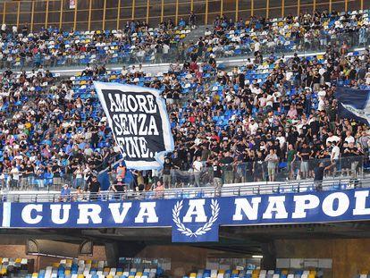 Hinchas del Nápoles, esta temporada.