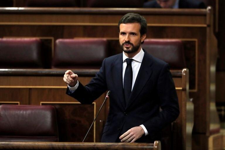 El líder del PP, Pablo Casado, interviene en la sesión de control al gobierno.
