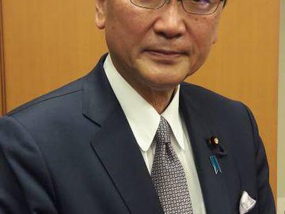 Keiji Furuya, diputado del gobernante PLD de Japón, en su oficina en Tokio.