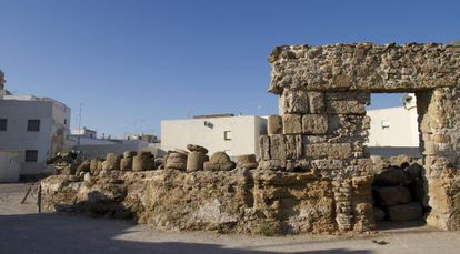 Unas obras mantienen cerrado el teatro romano de Cádiz