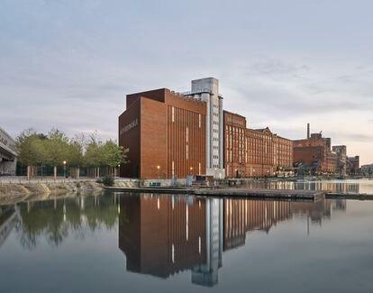 Nueva fachada del Museo Küppersmühle de Duisburgo (Alemania), diseñada por Herzog&de Meuron.