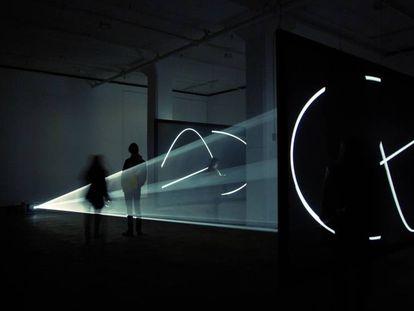 'FacetoFace' (2013), instalación de Anthony McCall, que será una de las estrellas del Loop de este año.