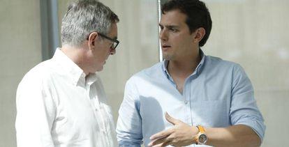 José Manuel Villegas y Albert Rivera, en una imagen de archivo.