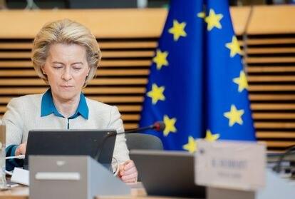 Ursula von der Leyen, durante una reunión de la Comisión Europea este miércoles.