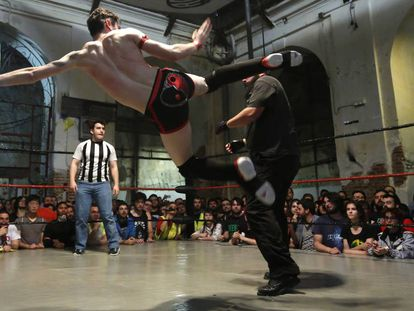 Lucha libre de la Triple W en Tabacalera.