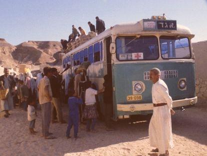 Prisioneros palestinos en el campo de internamiento de Abu Zenima (península del Sinaí), en octubre de 1971.