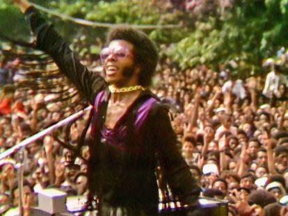 La historia de Sly Stone, el genio calidoscópico que destruyó su gloria