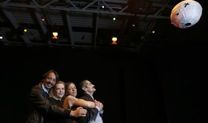 Germán Torres, Paloma Pedrero, Esperanza Pedreño y Julián Asensio, de Caídos del cielo.