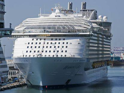 El crucero 'Harmony of the seas', el año pasado en Barcelona.