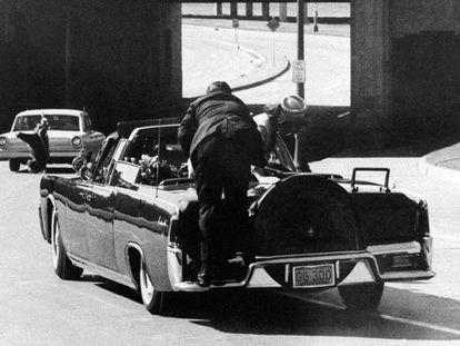 Foto del asesinato de John F. Kennedy en 1963, en Dallas, EE UU.
