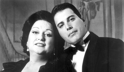 Monserrat Caballé y Freddie Mercury, en 1989.