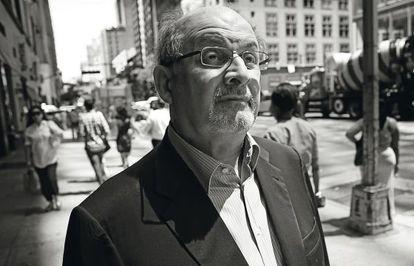 El escritor Salman Rushdie, en Nueva York.