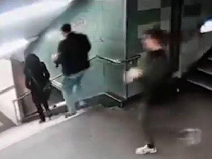 Un fotograma del vídeo que captó la agresión.