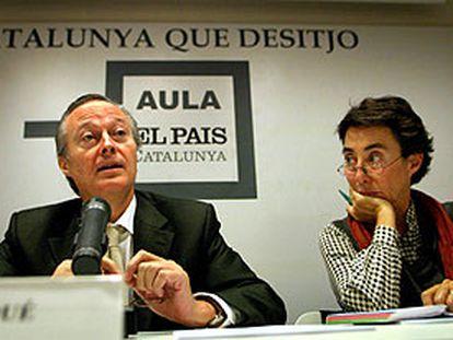 Piqué y Margarita Rivière, ayer durante el ciclo <i>La Cataluña que deseo</i> en la sede barcelonesa de EL PAÍS.