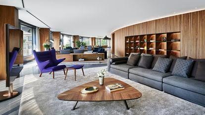 En el edificio Francesc Macià, 10, de Barcelona, se alquila un piso por 29.000 euros al mes.