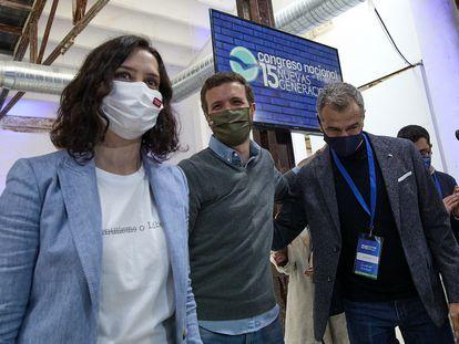 Desde la izquierda: Isabel Díaz Ayuso, Pablo Casado y Toni Cantó, el pasado sábado.