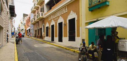 Calle del casco histórico de San Juan, capital de Puerto Rico.