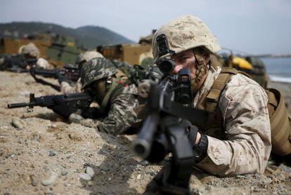 Maniobras conjuntas de fuerzas de EEEU y Corea del Sur en 2014.