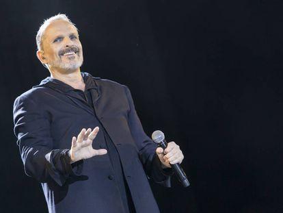 Miguel Bosé durante un concierto en Madrid en 2017.